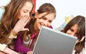 girls cyberbullying